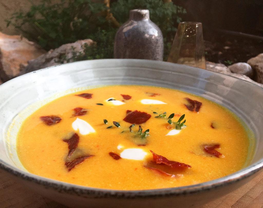 Butternutsquash-suppe-med-ristede-kikerter