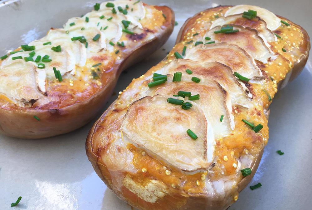 Fylt butternutgresskar med chevre og bacon
