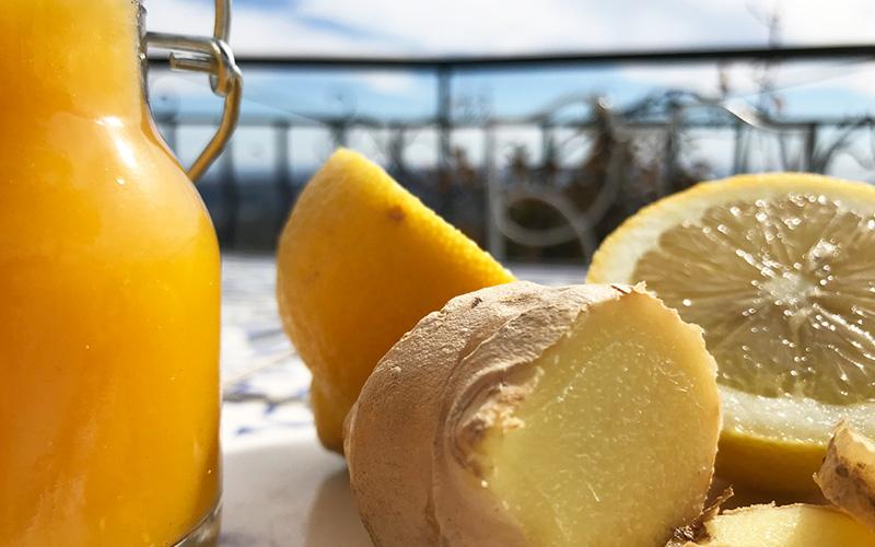 Sunnhetsshot med sitron og ingefær
