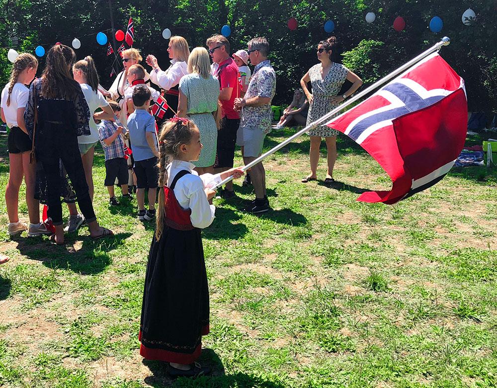 Norsk i Frankrike - 17 mai