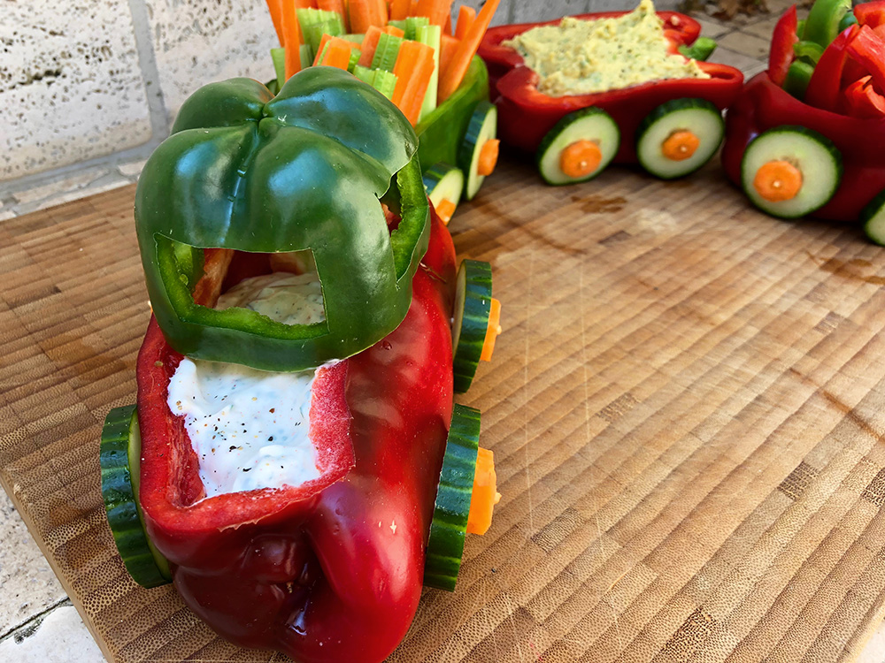 Barnslig grønnsakstog med dip