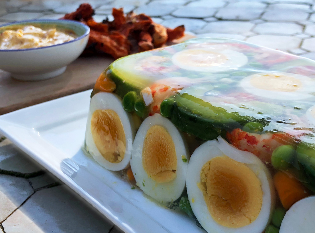 Kabaret med reker, avokado og asparges