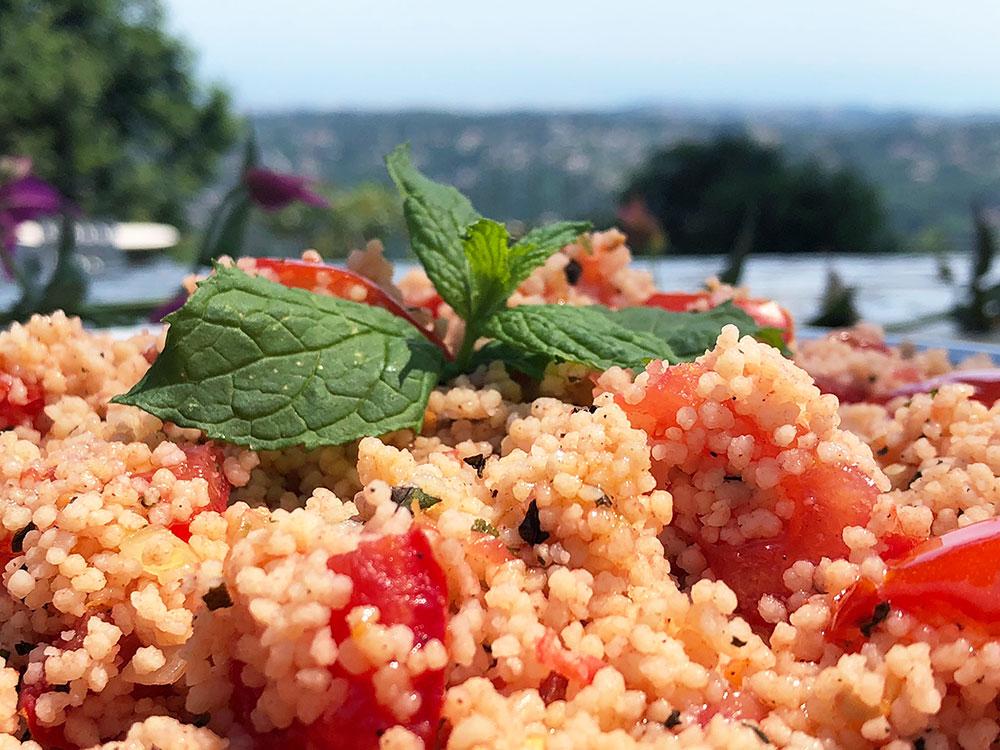 Taboulet fra middelhavet - solmodne tomater og fersk mynte