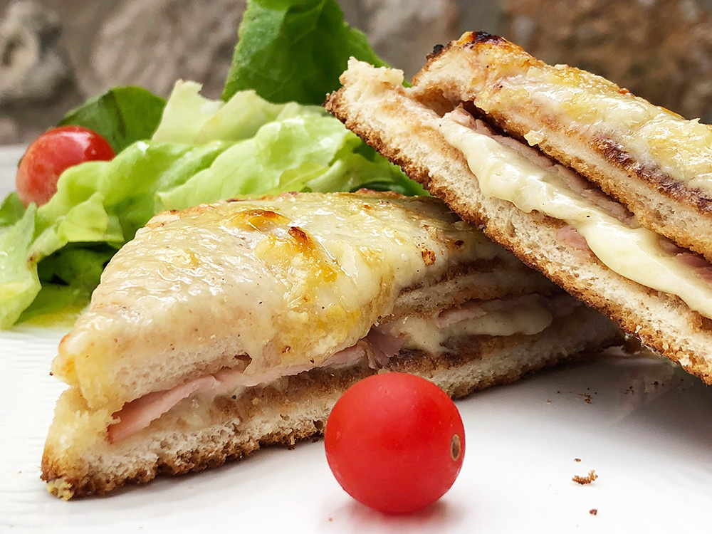 Croque-monsieur - klassisk fransk ostesmørbrød