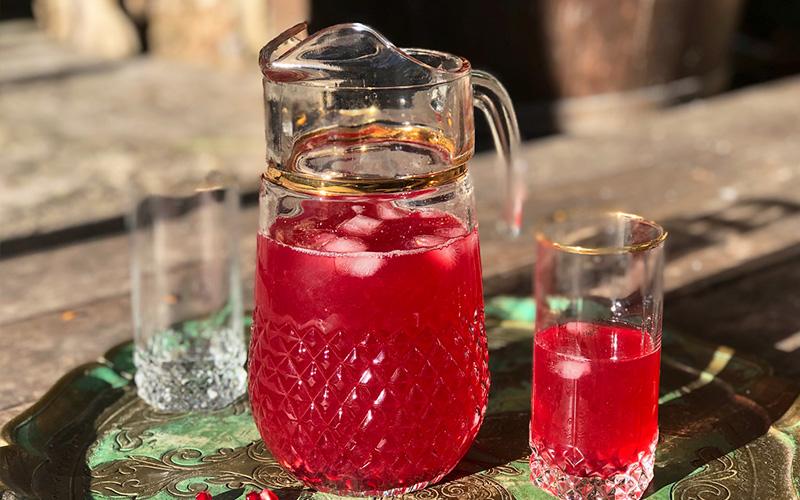 Detoxjuice med tranebær, sitron og eplesidereddik