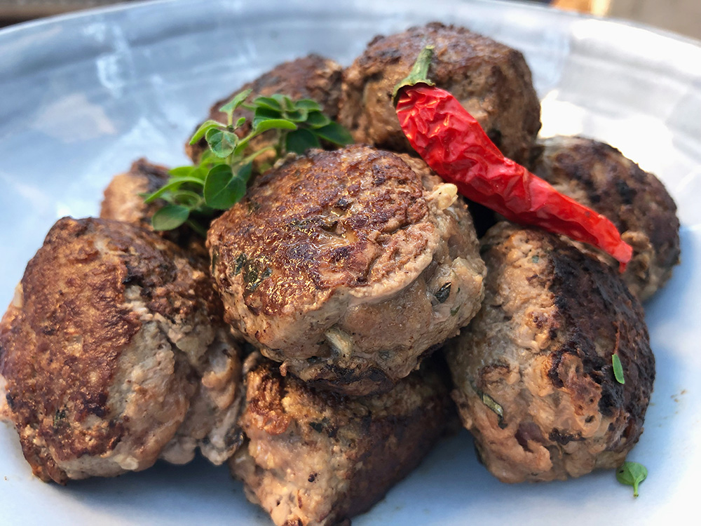 Spicy kjøttboller med friske urter