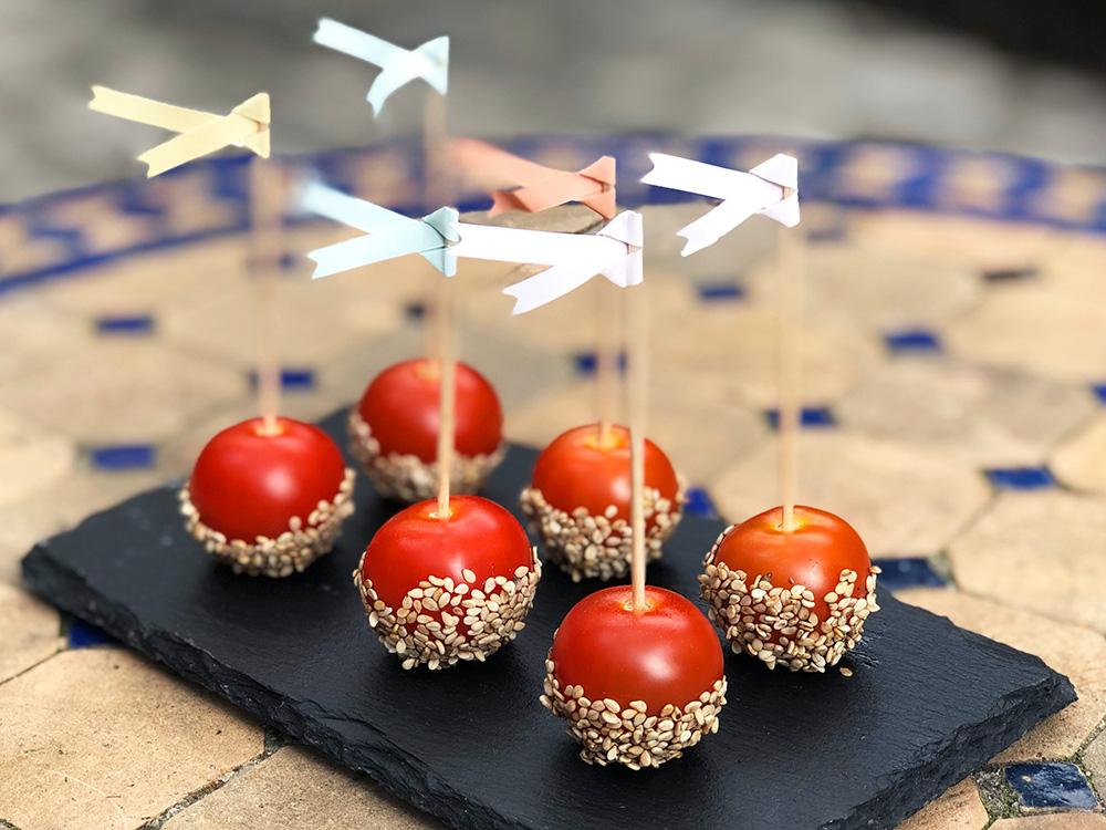 Glaserte cherrytomater med ristede sesamfrø