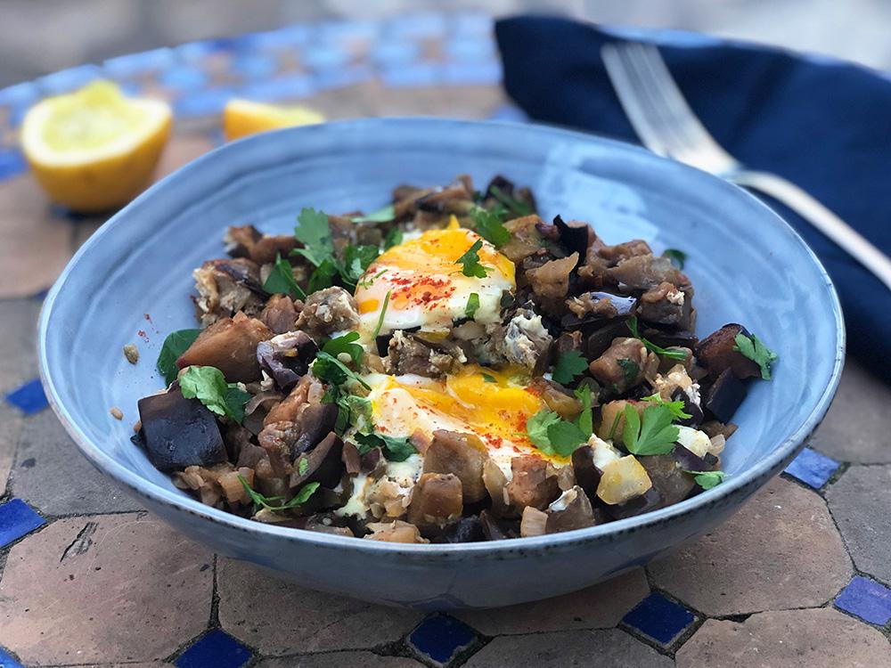 Libanesisk auberginepanne med innbakt egg