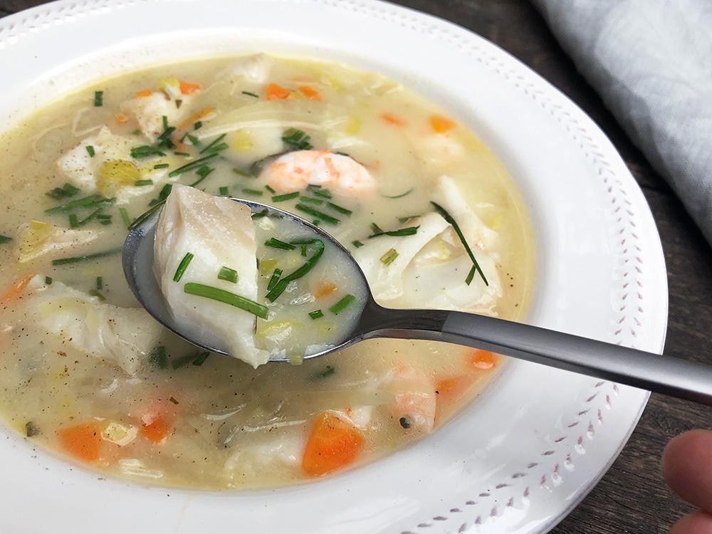 Fiskesuppe fra blåskjellkraft - to middager i ett