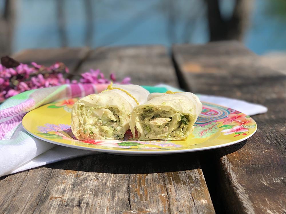 Kanongode kyllingwraps med avokado og koriander