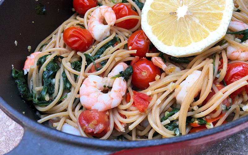 Alt i en kjele Fullkornsspaghetti med scampi
