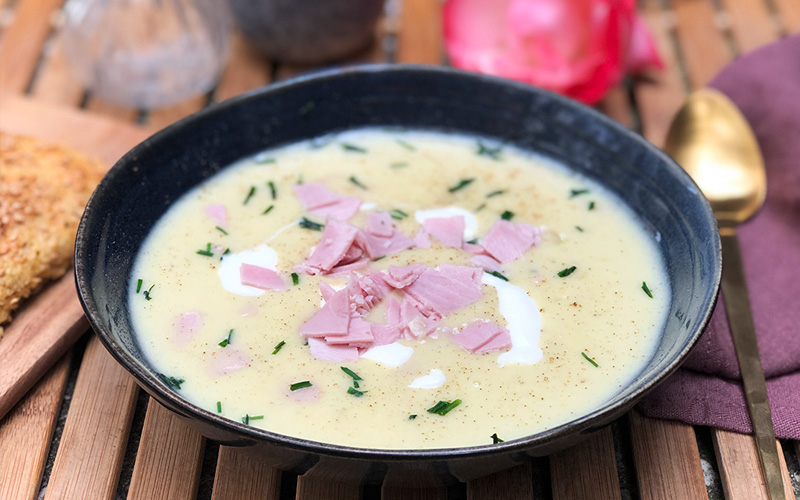 Potet- og purreløksuppe med skinke