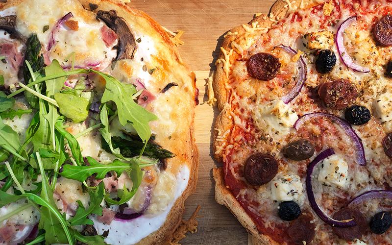 Superenkel pizza på kikertbunn (glutenfri)