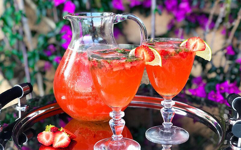 Mocktail med jordbær, lime og basilikum
