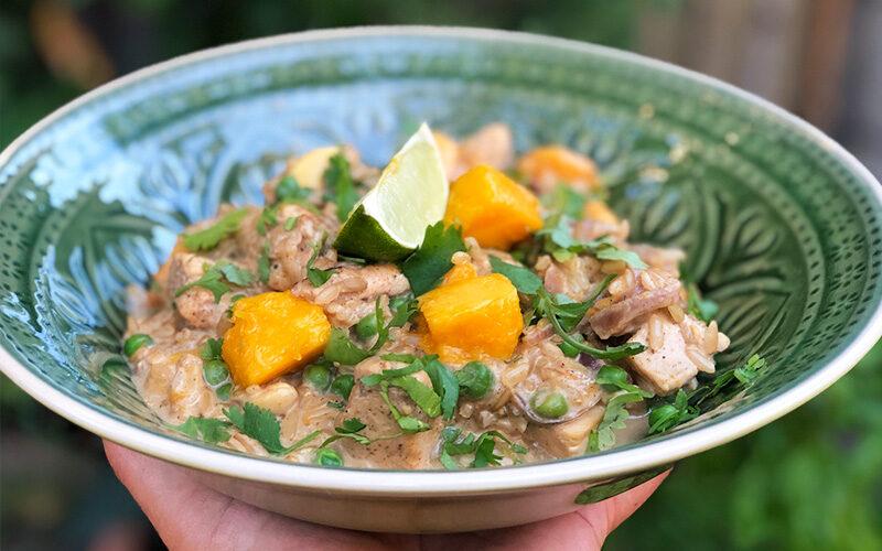 Rask kyllinggryte med mango og cashewnøtter