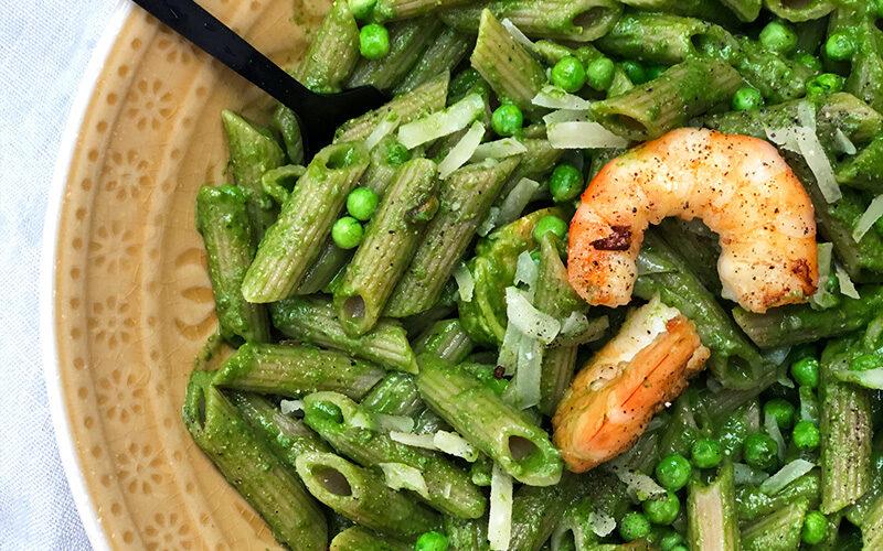 Grønn pasta med spinatpesto og scampi