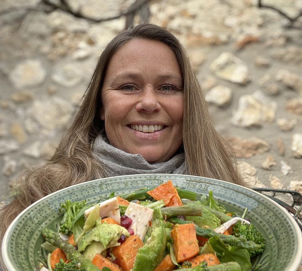 Eva med salat