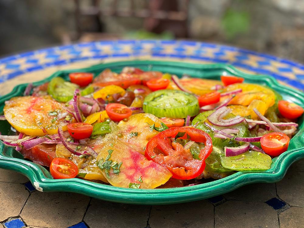 Fargerik tomatsalat